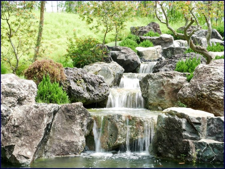 How To Enhance Your Landscaping With Different Garden Rocks